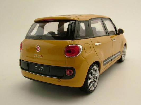 Welly 1/24 2013 Fiat 500L Die-Cast Metal Araba Maketi