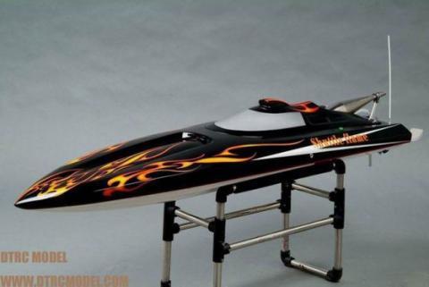 DTRC RC Boat with Zenoah 26cc Gasoline engine